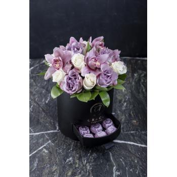 Grace Pembe Orkide ve Güllü Çikolatalı Kutu